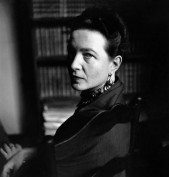 simone-de-beauvoir-1952-elliott-erwitt